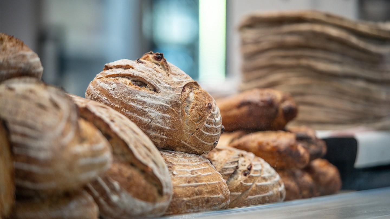 tuoretta leipää ja rieskaa